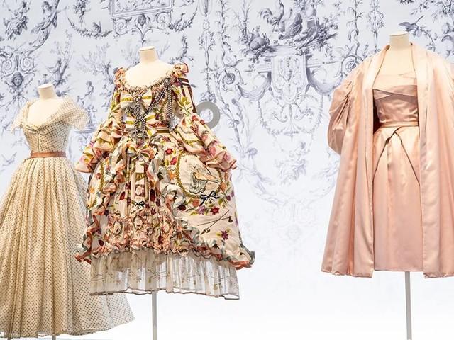 In Bildern: New Yorker Brooklyn Museum feiert Mode-Designer Christian Dior