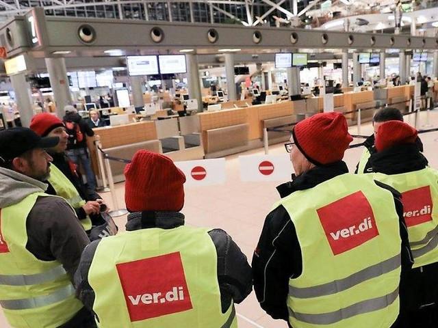 Hamburg - Nach Warnstreiks am Flughafen: Passagiere sollten auch am Mittwoch mehr Zeit einplanen