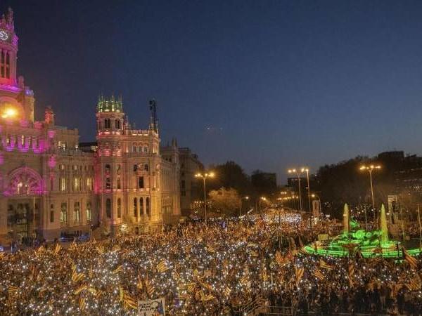 Katalanen in der Hauptstadt: «Esteladas» in Madrid: Großdemo gegen Separatistenprozess