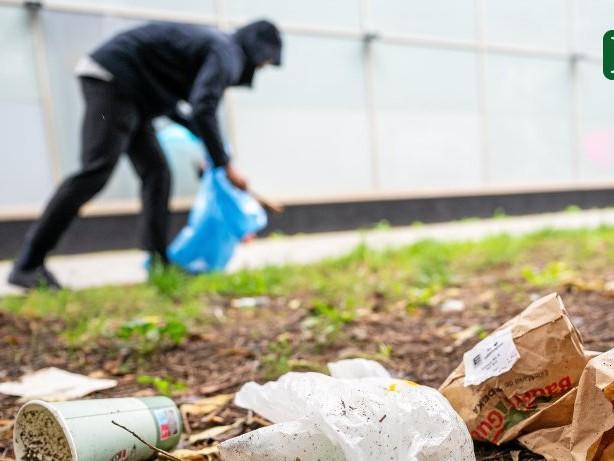 Putzaktion: Tausende Freiwillige räumen die Parks auf