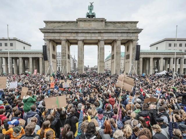 Lehrerverband kritisiert Schule schwänzen für Klimademo