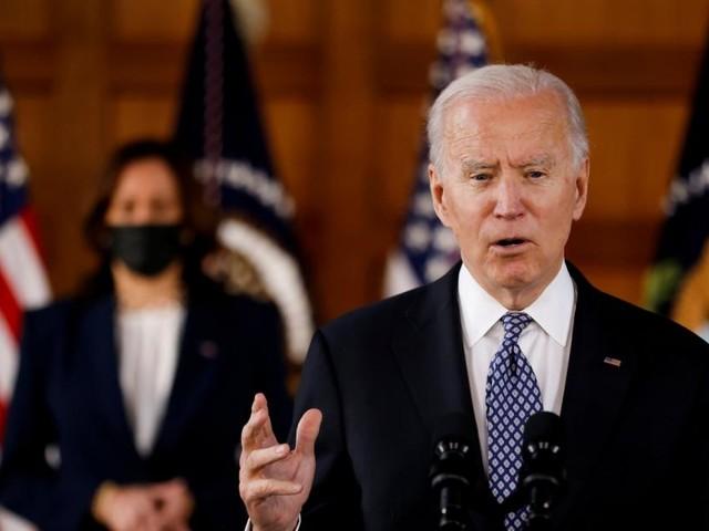 100 Tage Präsident Biden: Linker Kurs, Wellengang voraus