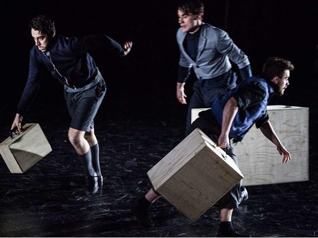 """Jes Stuttgart: Theaterfestival """"Schöne Aussicht"""" live eröffnet: Der Weg in eine bessere Welt kann mühsam sein"""