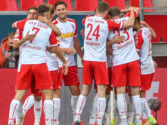 2. Liga: Last-Minute-Treffer sichert Jahn Platz eins in der Tabelle