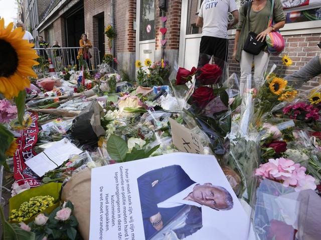 Nach Anschlag auf niederländischen Reporter Peter R. de Vries: Verdächtige bleiben in U-Haft
