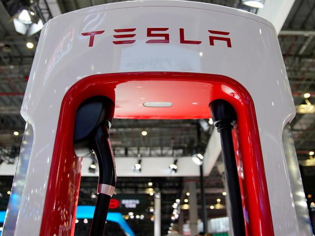 Tesla: Musk-Konzern meldet erstmals Milliardengewinn – Umsatz verdoppelt