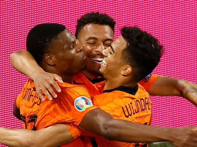 Niederlande spielt sich in Favoritenkreis - Bondscoach mahnt