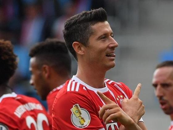 """Bayern wieder obenauf - Hoeneß erwartet """"viel Spaß"""""""