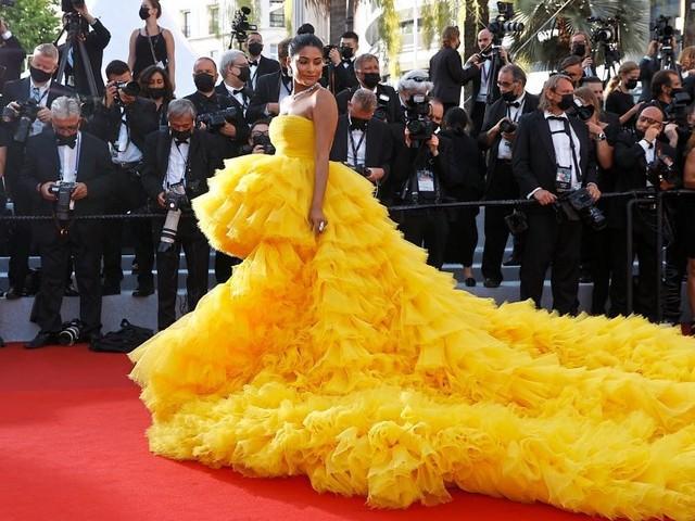 74. Filmfestspiele Cannes mit Stars und rotem Teppich gestartet