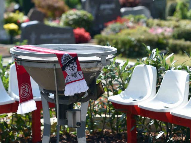 Fußball-Regionalligist: Rot-Weiss Essen weiht Fan-Friedhof ein