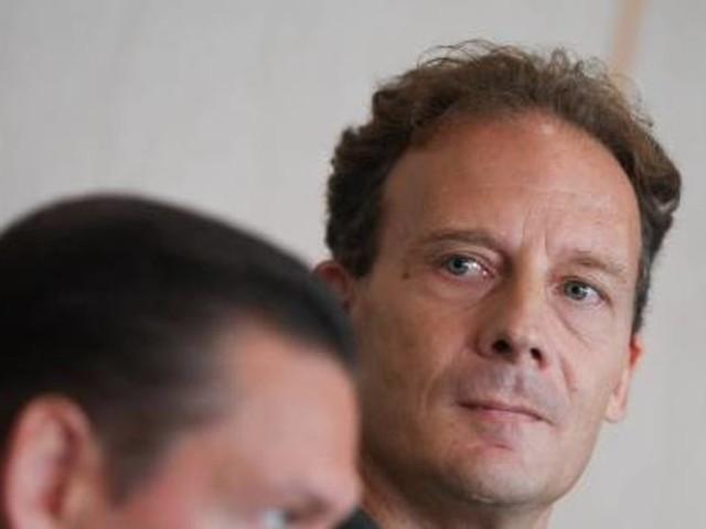Verlagserbe Alexander Falk weist Vorwürfe zurück