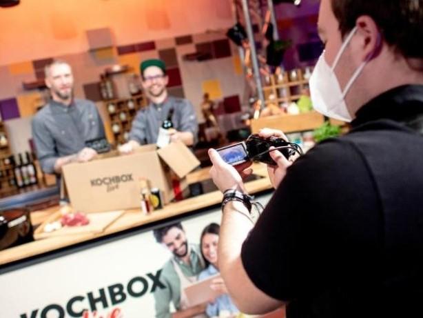 Essen & Trinken: Statt Artistik: Varieté streamt jetzt Online-Kochkurse
