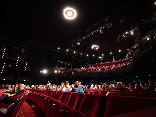 """""""Zeichen des Überlebens"""": Reeperbahn-Festival als """"Corona Edition"""" eröffnet"""