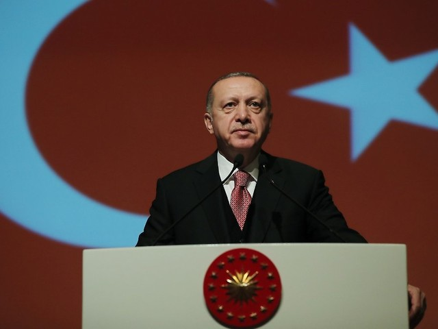 Nach Bürgermeister-Entlassungen: Türkische Regierung schlägt Proteste nieder