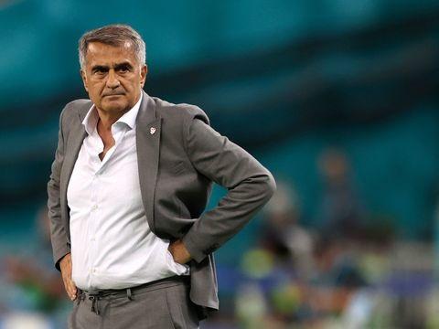 Fußball-EM - Nach enttäuschender EM: Kritik an Türkei-Coach Günes wächst