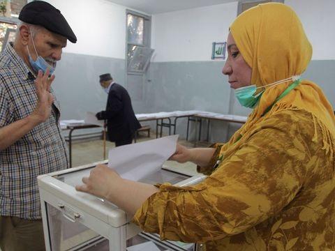Nordafrika - Parlamentswahl in Algerien: Viele wählen Boykott