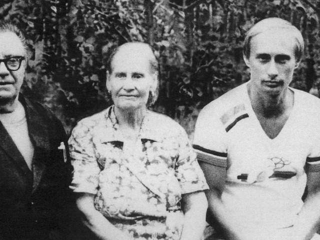 Russischer Präsident: Putins Stasi-Ausweisin Dresdner Archiv gefunden