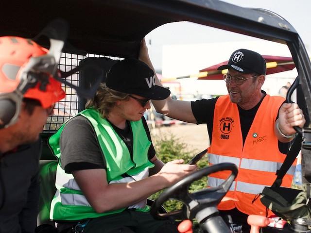 Weil Katastrophenschutz versagt - Helfer-Shuttle bringt 50.000 Freiwillige ins Ahrtal – nun klaut das Land die Idee