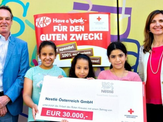 Nestlé unterstützt Rotes Kreuz mit 30.000 Euro