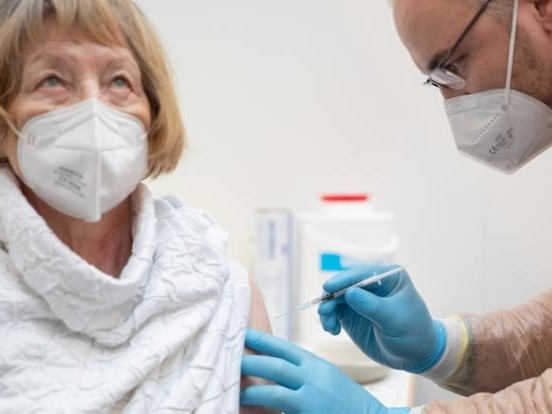 Corona-Zahlen in Krefeld aktuell: Steigende Neuinfektionen, 12 freie Intensivbetten