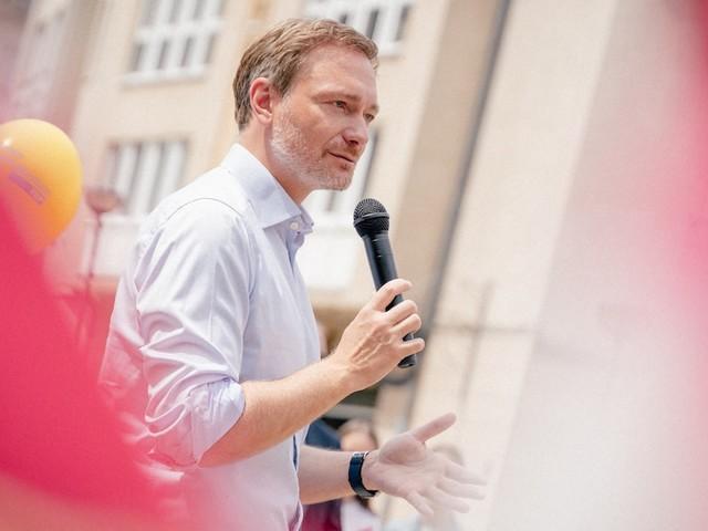 FDP-Chef Lindner im Interview - Teil 1 - Lindner warnt vor linkem Programm der Grünen und erdet seine FDP als neue Mitte