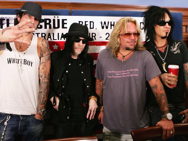 """Mötley Crüe geben Termine für """"The Stadium Tour"""" mit Def Leppard, Poison und Joan Jett bekannt"""