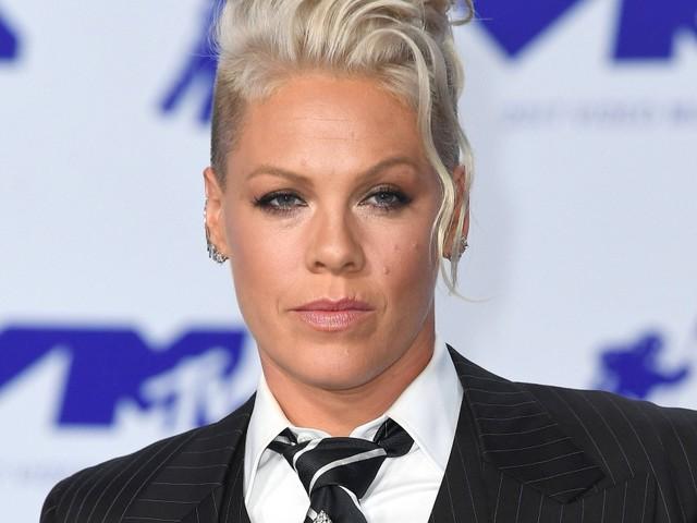 Längere Sporthosen: Sängerin Pink will Geldstrafe der norwegischen Beachhandballerinnen zahlen