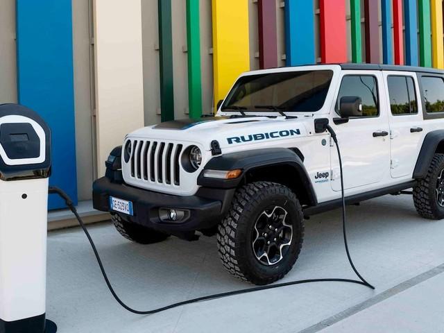 Fahrbericht Jeep Wrangler 4xe - Hybrid-Jeep: elektrisch in die Kita, mit Benzin in den Wald, Verbrauch: Katastrophe!