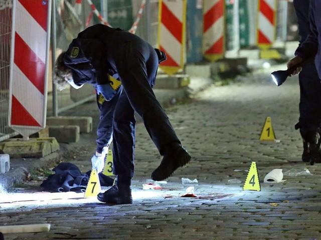 Schwules Paar niedergestochen: Lebenslange Haft nach tödlicher Messerattacke in Dresden