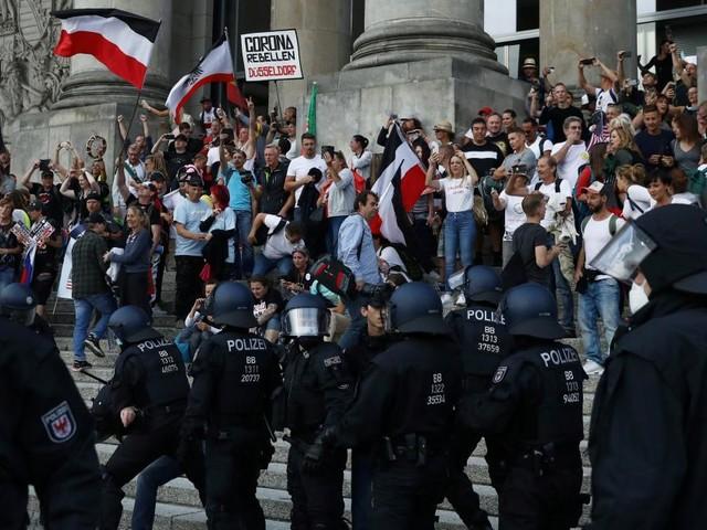 Randale am Reichstag: Breite Ablehnung in deutscher Politik