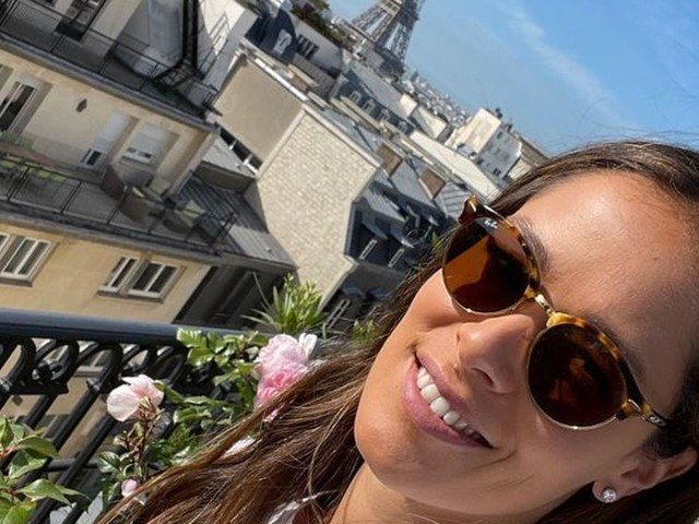 Paris, mon amour!: Ana Ivanovic genießt das Pariser Balkonien mit spektakulärem Ausblick