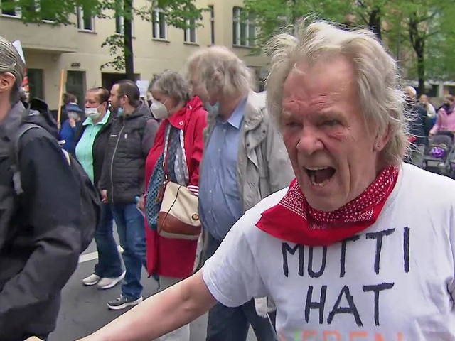 Ein Demo-Tag in Berlin: Palästinenser, Querdenker und andere Wütende - SPIEGEL TV