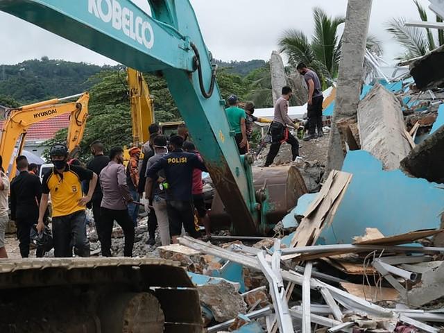 Mindestens 34 Todesopfer durch Erdbeben auf indonesischer Insel Sulawesi