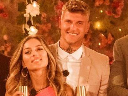 """""""Love Island"""": Sind die Gewinner-Couples noch zusammen?"""
