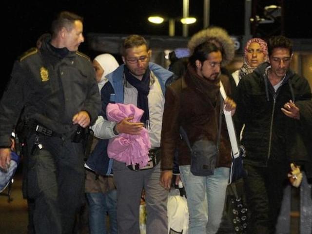 Kein Job, keine Unterstützung - Neue Knallhart-Regel: Dänemark will Migranten jetzt zur Arbeit zwingen