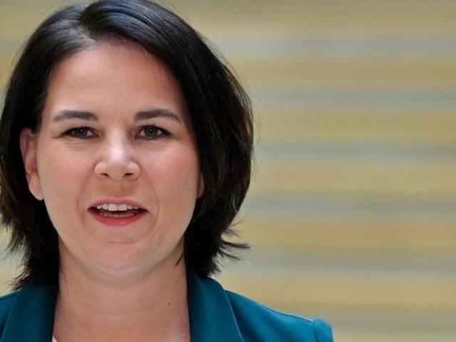 Ehemann der Grünen-Chefin übernimmt Haushalt und Kinder in Vollzeit