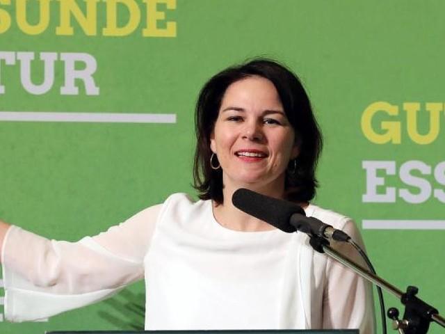 40 statt 20 Euro pro Tonne - Grünen-Chefin fordert höhere CO2-Steuer - Autofahrern droht Kostenanstieg