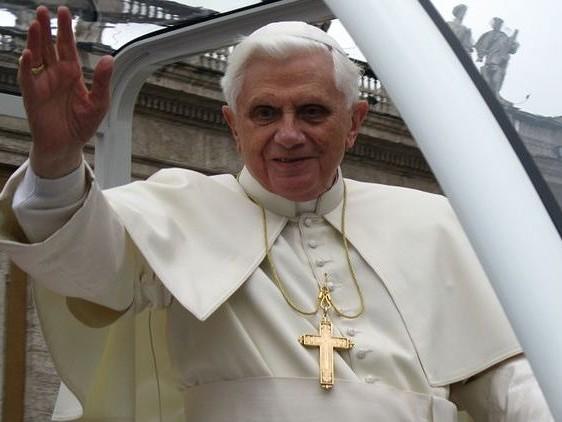 Papst a. D. macht Sexualerziehung in Schulen für Missbrauch durch Priester verantwortlich