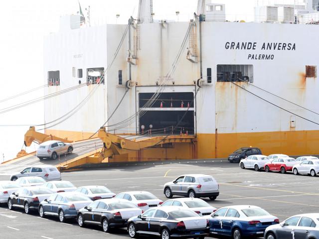 Volkswagen: Strafantrag nach Greenpeace-Aktion in Emden gestellt