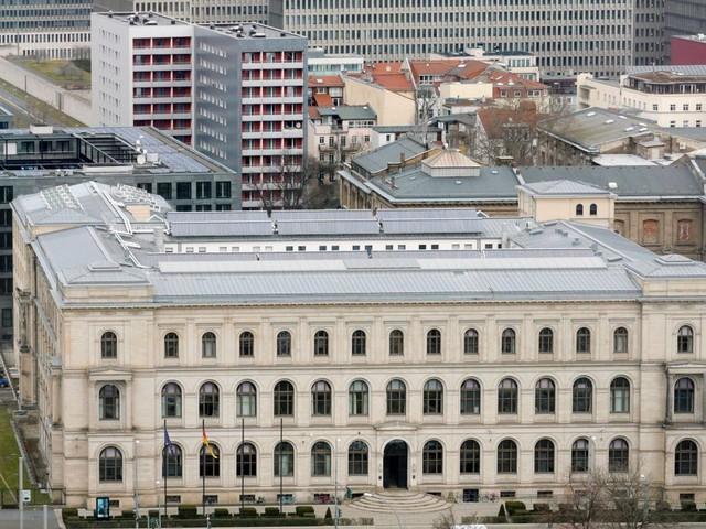 Daimler-Geheimnisse: Ermittlungen gegen Personen in Verkehrsministerium