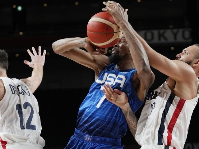 Olympia News: Bann ist gebrochen – Kanutin holt erstes Gold für Deutschland ++ Roboter stiehlt US-Basketballern die Show – nach historischer Niederlage