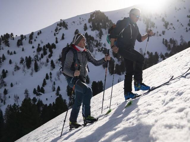 """Der Skispringer als Heli-Pilot: Thomas Morgenstern dreht für """"Servus TV"""""""