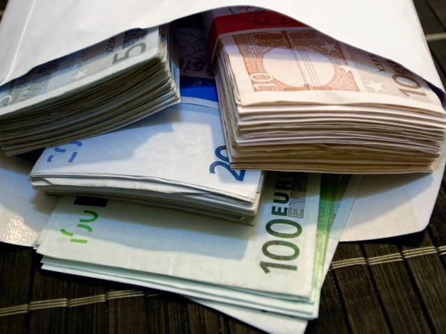 Umfrage zu Korruption: Deutsche zunehmend besorgt über Einfluss der Wirtschaft