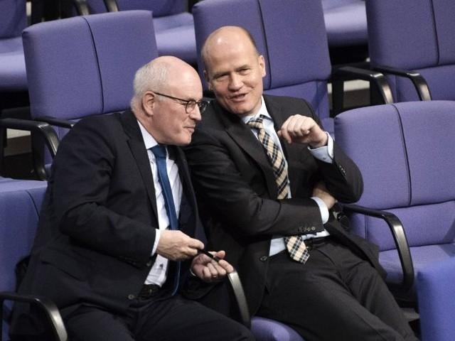 Wahl des CDU/CSU-Fraktionschefs: Dieser Mann fordert Kauder heraus
