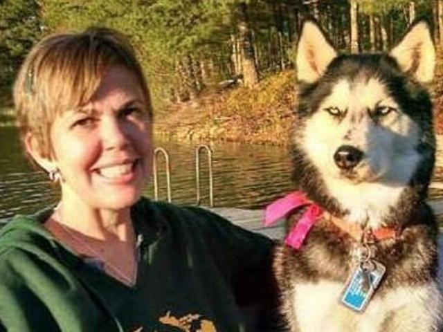 Krebs: Hund schnüffelt an Besitzerin und rettet ihr so drei Mal das Leben