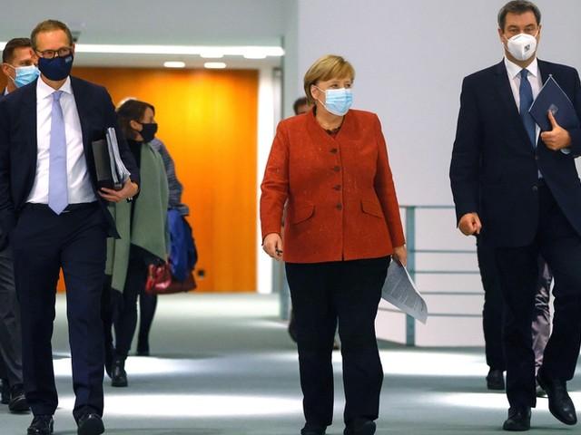 Bund und Länder verhandeln über neue Maßnahmen – erste Einigungen bei Regeln für Geschäfte