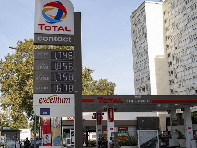 Frankreich zahlt Bürgern Geld wegen hoher Spritpreise
