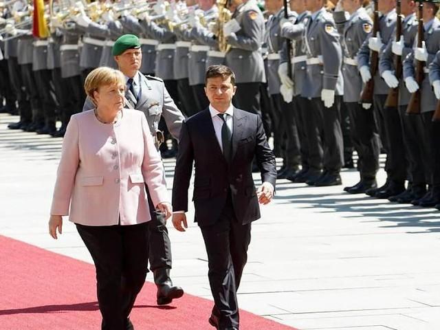 Nach Zitteranfall - Angela Merkel: Wie stressig ist der Alltag der Kanzlerin?