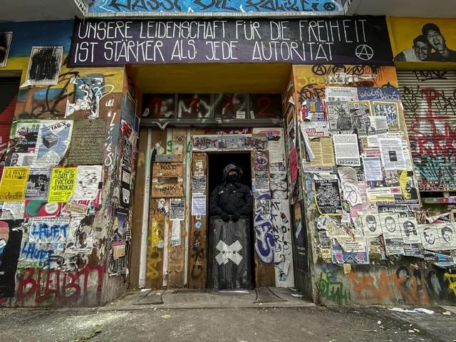 """""""Hinterhalt"""" - Berliner Feuerwehr und Polizei angegriffen"""