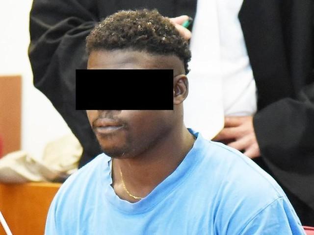 """Bonn - Angeklagter fragt: """"Warum schweigen, wenn ich nichts weiß?"""""""